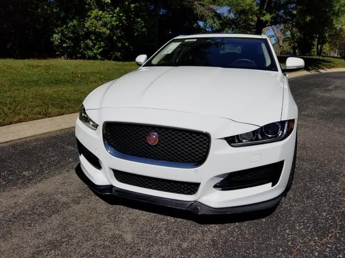 """Jaguar 35t XE """"Carbon"""""""