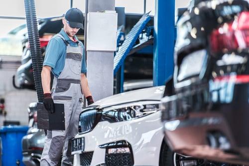 dealership-auto-service-job-9SKLDT4