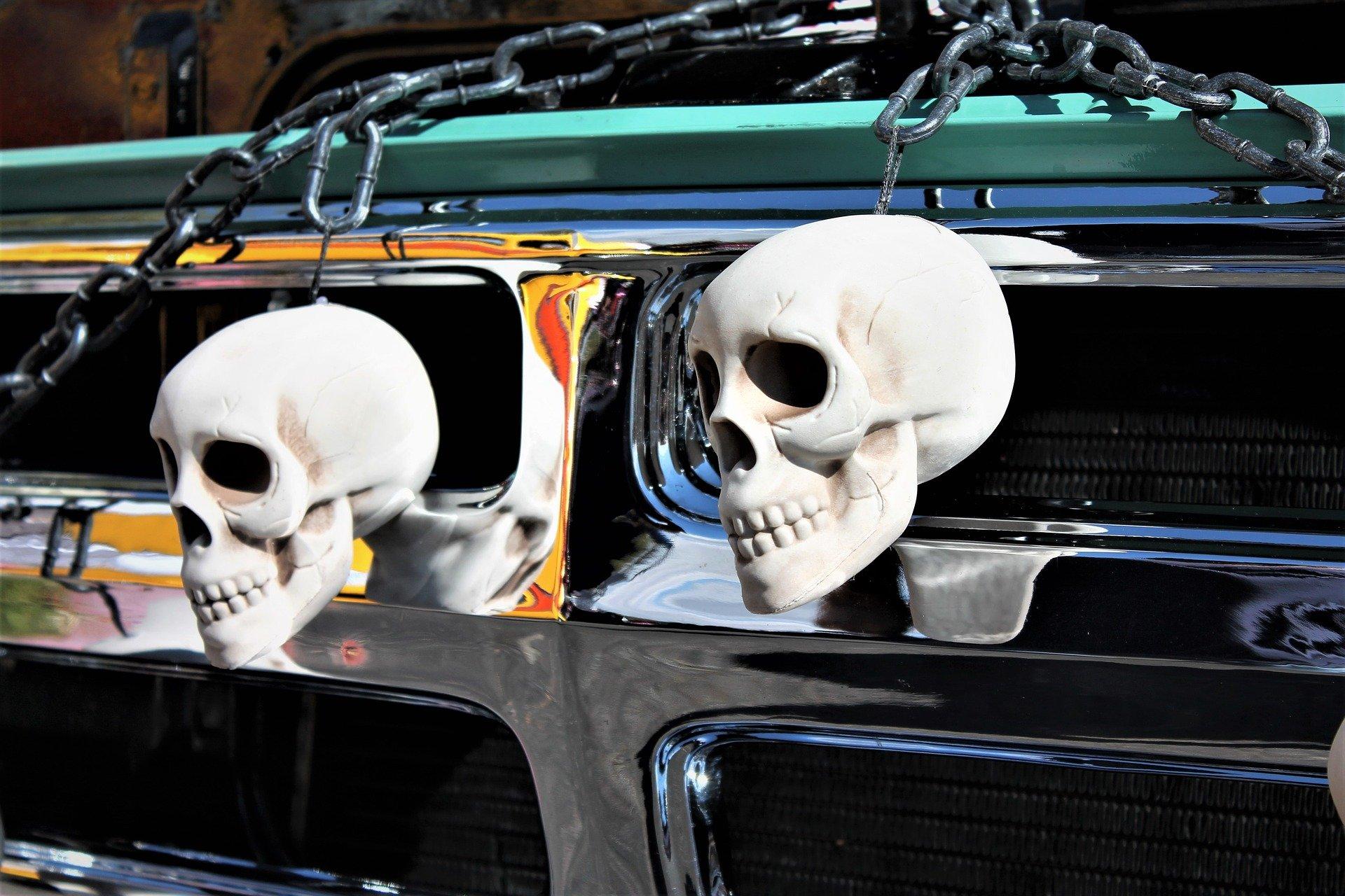skulls-2009818_1920